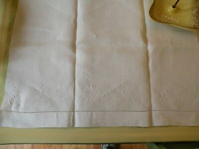 "Large 25 x 44"" Antique White Linen Towel w White Embroidered Flowers"