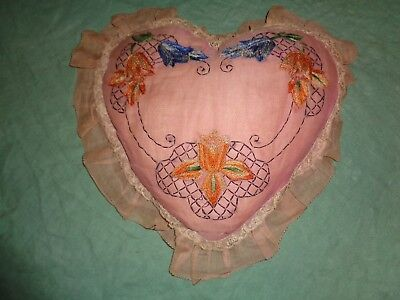 (3079) Antique Victorian Heart Pillow Lace Trim Embroidered Floral Pattern