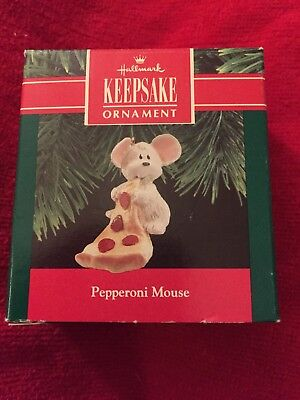 "Hallmark ""Pepperoni Mouse"" Mouse Eating Pizza Ornament 1990"