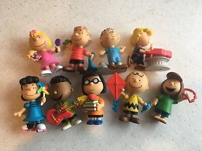 vintage set  9 peanuts figures  the gang  snoopy Charlie Brown