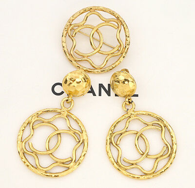 CHANEL CC Logos Round Dangle Earrings & Brooch Set Gold Tone Vintage v435