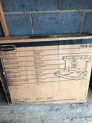Rubbermaid 7818-00 Baby / Toddler Changing Station NEW