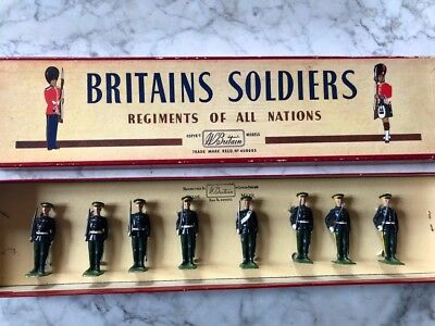 BRITAINS TOY SOLDIERS - SET 2087 - 5th DRAGOON GUARDS