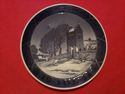1941 Royal Copenhagen Christmas Plate