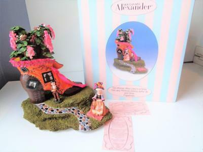 Madame Alexander The Old Woman Who Lived in A Shoe Music Box Figurine MIB NEW