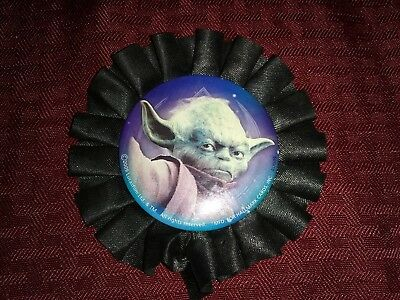 STAR WARS Yoda 2009 HALLMARK KEEPSAKE Lucasfilm BUTTON PIN