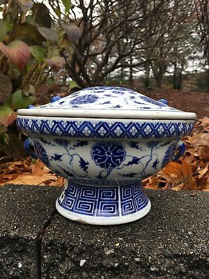 Large Chinese Qing Period Blue And White Antique Porcelain Hot Pot