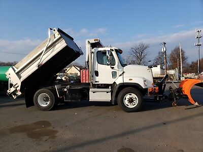 2015 FREIGHTLINER 108SD Plow, Spreader, Dump Truck Automatic 2464 Miles!!