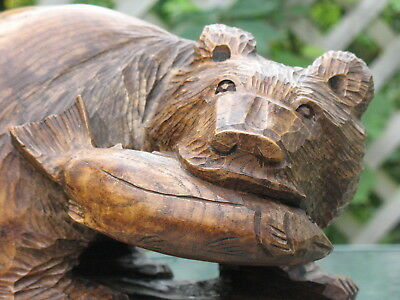 Black Forest Style Bear Carved Wood Hunting Salmon Fish #3 Beautiful Wood Grain