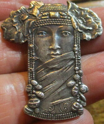 "Stunning! 1940s French Metal Button ""REALISTIC PRINCESS"" Vintage Antique Picture"