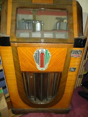 Rockola Jukebox - 1938 Monarch - Parts & or Repair . . REAL RUFF . . . .