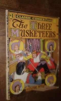 CLASSICS ILLUSTRATED Comic Book No. 1 The Three Musketeers / 1942