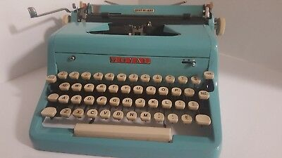 Vintage Royal Typewriter Quiet Deluxe Model Portable Manual With Case Baby Blue