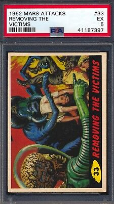 1962 Mars Attacks — Removing the Victims #33  — PSA 5