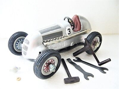 Schuco 1050 STUDIO Mercedes Silberpfeil 1936 Uhrwerk 1:24 made in Germany 1993