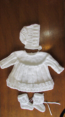 SOFT WHITE HAND KINTTED  DRESS SET 0 to 3 months  DRESS HAT BOOTIES NEW