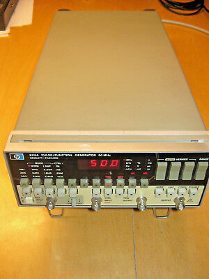 HP 8116A Pulse/Function Generator 50MHz Funktionsgenerator mit Option 001