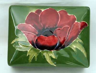 Moorcroft Anemone On Green Ground Oblong Lidded Box Potters To Late Queen Mary