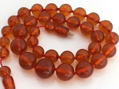 VINTAGE Beautiful Butterscotch / Egg Yolk Baltic Amber Beads Necklace 33 g.