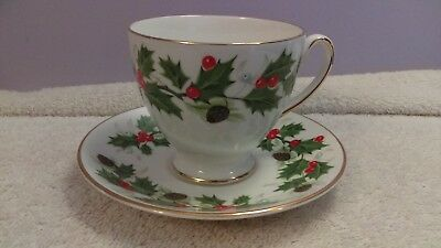 Royal Grafton Teacup & Matching Saucer Noel Holly & berry pinecone
