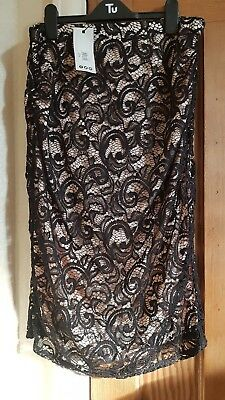 BNWT Womans stunning Boohoo Maternity Skirt Party Occasion Skirt Size 14