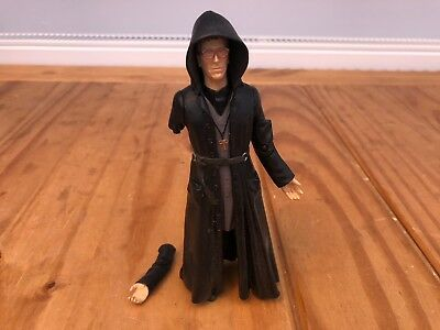 BBC Dr Doctor Who Hawthorne 5th Series Action Figure - Broken Arm