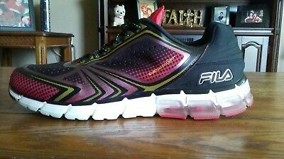 the best attitude 7a8fb a89e1 Fila Blackred Running Shoes Size 12
