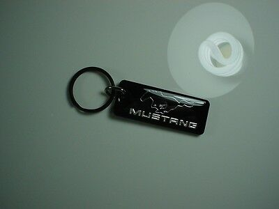 Ford Mustang KeyChain Black / Chrome