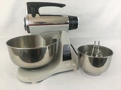 Vintage Sunbeam Vista Mixmaster Brown Chrome 12 Speed + 2 Metal Bowl & Beaters