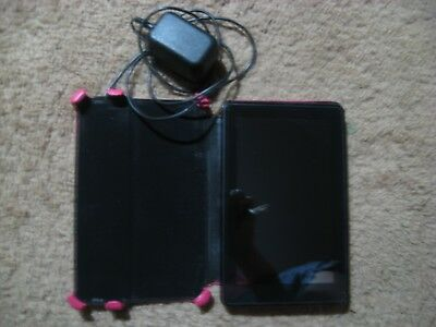 Older Amazon Kindle With Case And Charger Bundle Works Free Ship