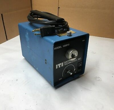 ITI - Instrument Technology Inc. Fiber Optic Light Source - Model 125010 - CLEAN