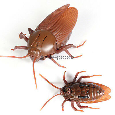 Christmas Remote Control Lifelike Fake Cockroach Model Trick Joke Toys Gag Gift