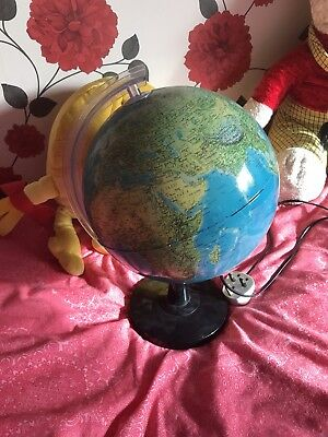 Illuminating World Globe Light Up Table Lamp