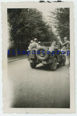 WWII US GI Photo - Officers w/ German Shepherd In Unit Marked Jeep - TOP!