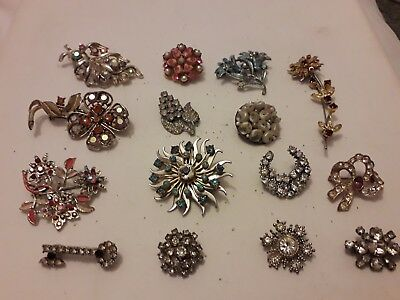 job lot of 15 true vintage brooches