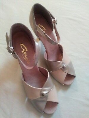 Womens Capezio Size 7M Ballroom Smooth Dance Shoes