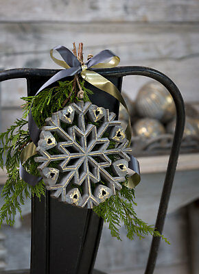 Set Of 4 Large Wooden Hanging Snowflakes With Jingle Bell Berries