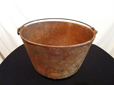 """VTG Antique Rusted Footed Cast Iron Cauldron Kettle Campfire Bean Pot 7""""x10"""""""