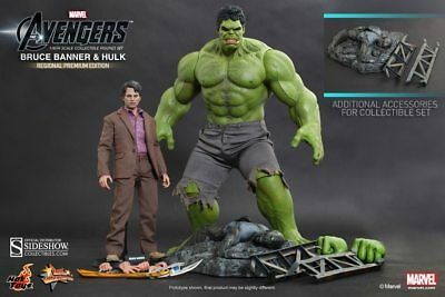 Bruce Banner and Hulk Sixth Scale Figure by Hot Toys