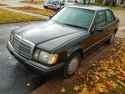 1993 Mercedes-Benz E-Class 300D 1993 Mercedes-Benz 300D 2.5 Turbo Diesel