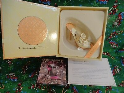 Just The Right Shoe - Passionate Pearls, 4th Annual Metal Shoe, RARE  2007 MINT
