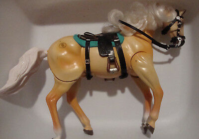 Empire Industries horse Grand Champion palomino with tack brushable mane
