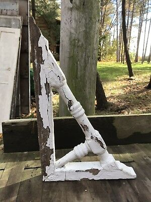 Antique Architectural Salvage Single Wooden Corbel Corner Bracket Chippy White