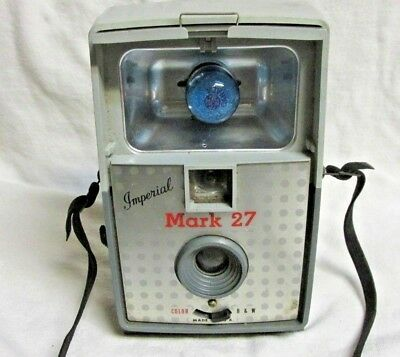 VINTAGE 1960s IMPERIAL MARK 27 CAMERA WITH BULB