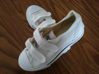 New NWOB Joe Boxer Little Boys White Hook Loop Athletic Sneakers Shoes Size 11