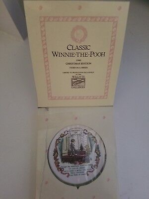Disney Classic Winnie the Pooh 1990 Christmas Disc Ornament 3rd in Series