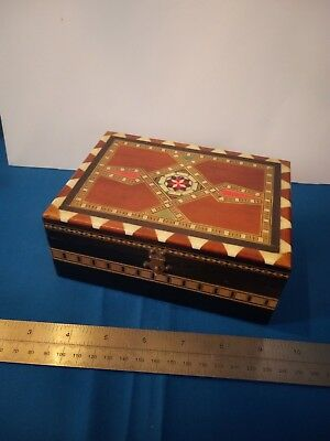 Beautiful Anglo Indian Inlaid wood box with bone inlay mixed woods