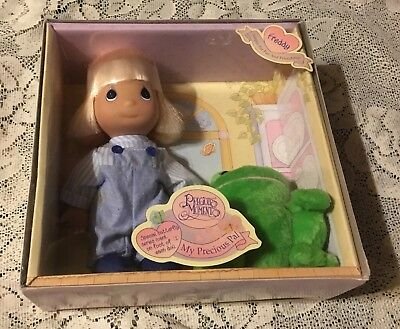 "Nib 1998  Precious Moments ""freddy""  Doll W/ Pal Frog"