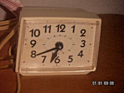 Vintage Westclox Electric Alarm Clock  Bold Numbers  Made In Usa