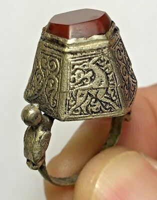 MEDIEVAL SILVER RING WITH ZOOMORPHIC DESIGN WITH VERY NICE RARE STONE 11.9gr
